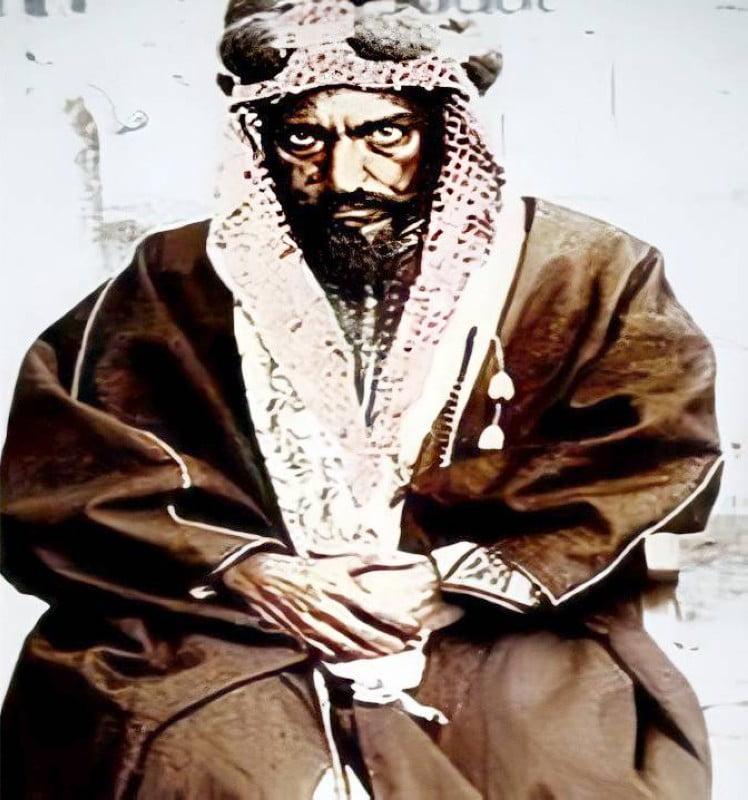 والدها الإمام عبدالرحمن.
