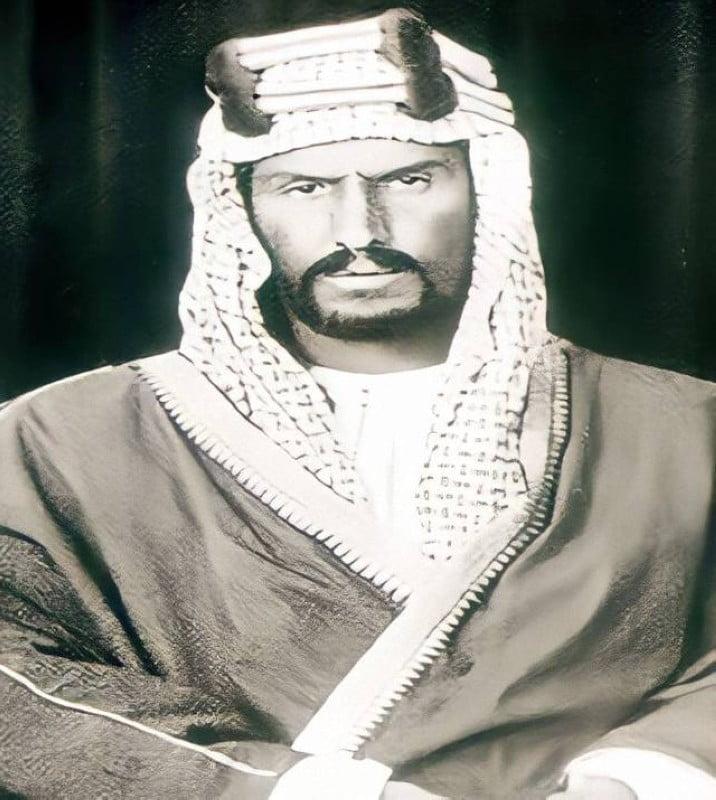 شقيقها الملك المؤسس عبدالعزيز بن عبدالرحمن.