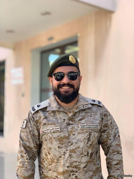 ترقية أحمد بن علي إلى رتبة رائد طبيب بالخدمات الطبية للقوات ...