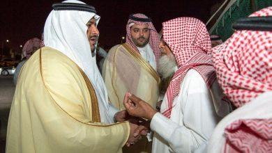 صورة أمير الرياض بالنيابة ينقل تعازي القيادة لأسرة الشهيد «الملازم سعود الغامدي»