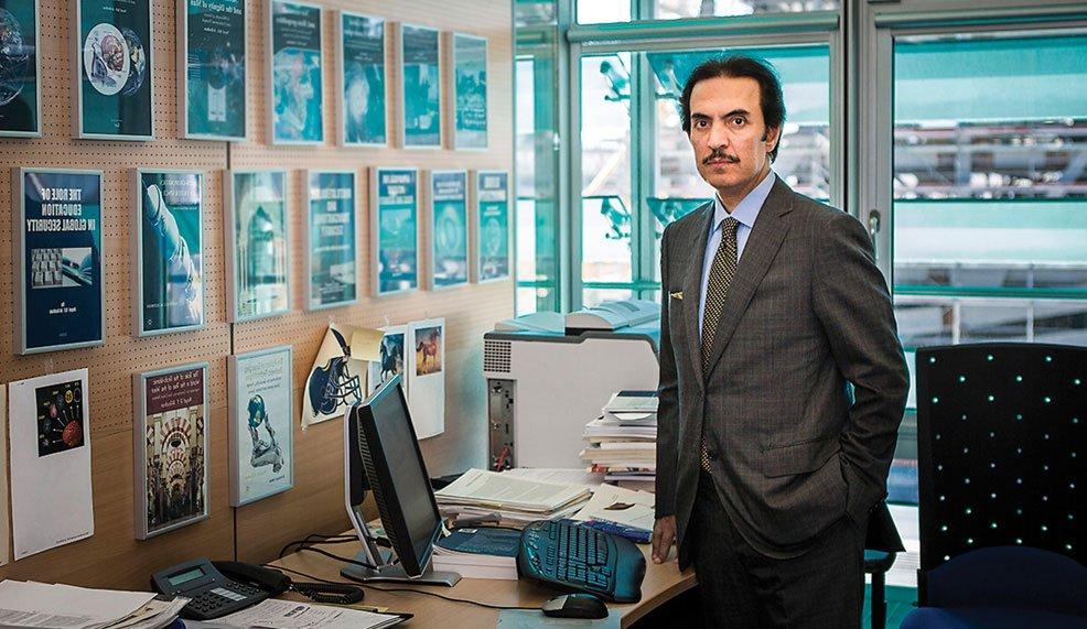 صورة نايف الروضان عالم أعصاب وجيوستراتيجي سعودي