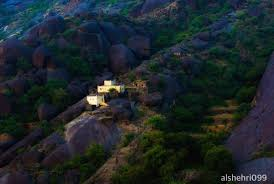 صورة قرية غيّة جنوب السعودية ..من اعاجيب الدنيا المنسية ..الفيلم الفائز بجائزة ألوان السعودية .