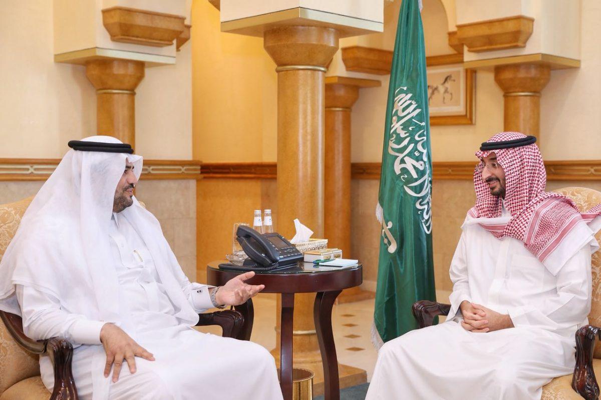 نائب أمير مكة يستقبل مدير عام فرع هيئة الرقابة والتحقيق بالمنطقة