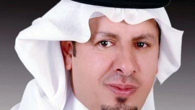 صورة الأديب «عبدالقادر الغامدي» ولد بين الدموع وانطلق في الإبداع .مثل المملكة على مستوى الوطن العربي.