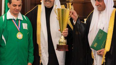 صورة أمير منطقة الباحة يستقبل نادي الباحة لذوي الاحتياجات الخاصة.الفائزين بالمركز الأول