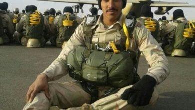 صورة جندي أول مظلي.زايد علي الغامدي أصيب  بالحد الجنوبي،فقد يده اليسرى.ويتمنى العودة