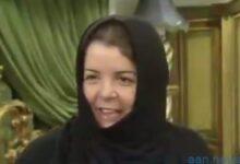 صورة أم محمد. صاحبة متحف المهرة بجدة. تهوى جمع مقتنيات الملوك. جمعتها خلال 20 عاما. فيديو