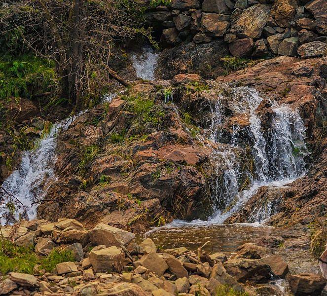 شلالات أمطار منطقة الباحة ترسم لوحة من الطبيعة الخلابة | صحيفة المناطق  السعوديةصحيفة المناطق السعودية