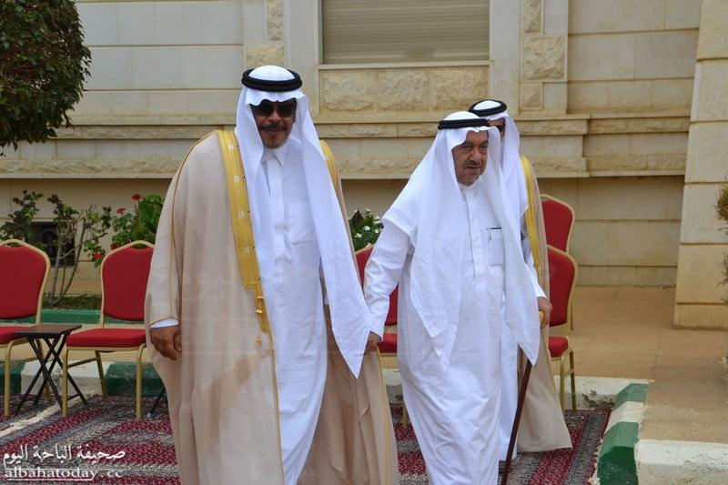 الباحة اليوم الأمير مشاري بن سعود يعزي الشيخ عثمان بن صقر في وفاة شقيقته -  الباحة اليوم