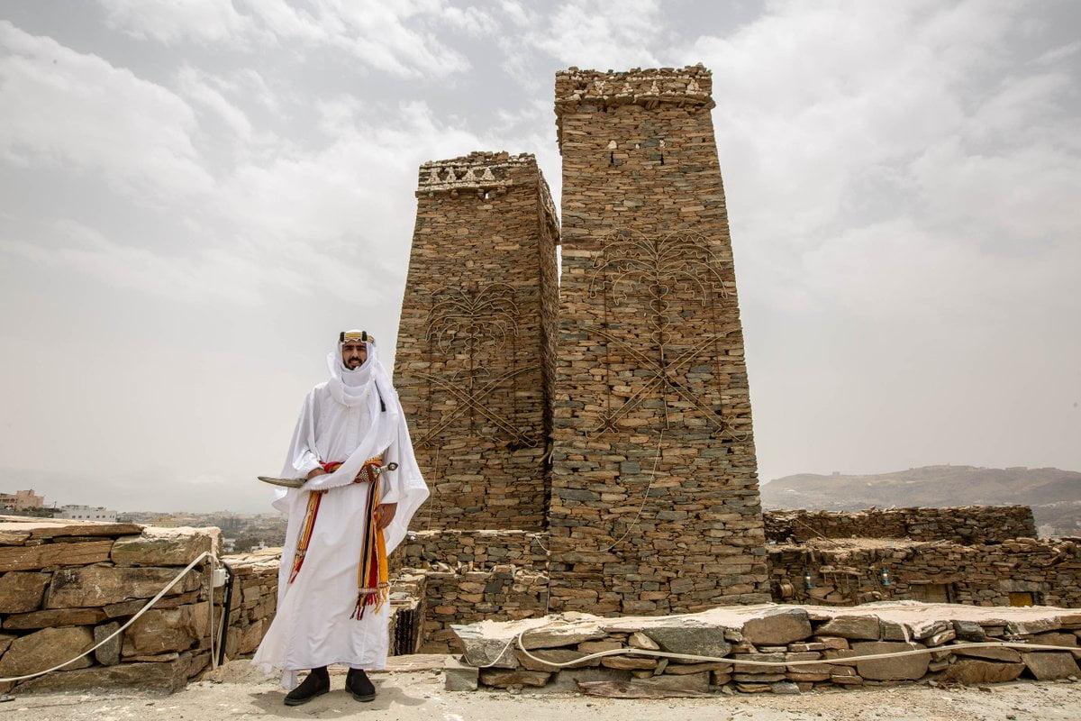 """روح السعودية on Twitter: """"معالم وآثار تحكي عن تاريخ عظيم وعريق! في """"قرية  الملد"""" بمنطقة #الباحة راح تعيش في رحلة بعبق الماضي الأصيل، وبتتعرف على  أزياء وتحف ومباني من ذاك الزمان. حمل"""